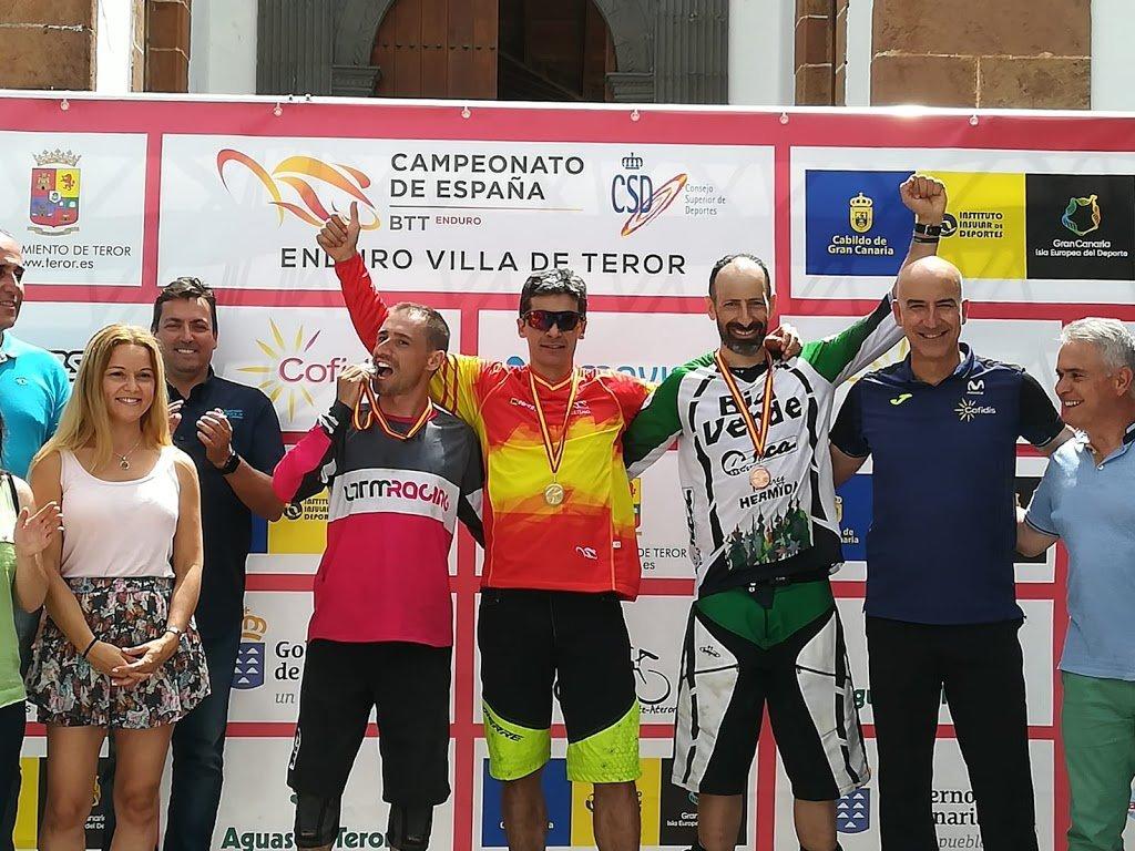 Medalla de bronce máster 40 para Esteban Lorenzo en el Campeonato de España de Enduro, Teror (Las Palmas de Gran Canaria)
