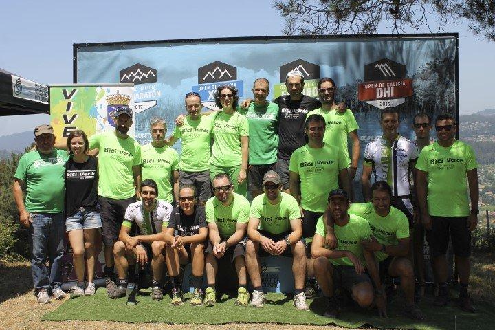 equipo bici verde